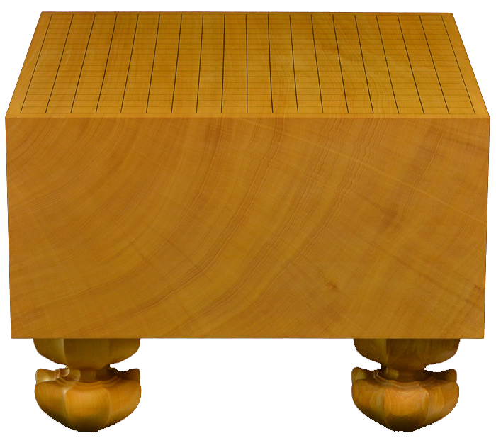 关于榧木知识选购榧木棋具必看   棋具店相比大多数网店来说,属于较专业的店铺,光顾小店的棋友在选购商品,特别是选购贵重的榧木棋盘时,总是需要先详细了解相关的知识;弄清楚自己心里的疑问,才好放心购买。榧木为什么名贵?独木与拼板哪个更好?为什么榧木棋盘之间价格相差如此之大?   现在,欧贝苏请教了几位日本资深围棋行业从业者,他们对无数榧木棋具有着许多鉴赏、收藏和研究的经验,在这里也收集了一些棋盘方面的知识,希望本篇给广大棋友在挑选榧木棋具时带来一些帮助。  榧木是一种什么样的木材?   榧木就是香榧的